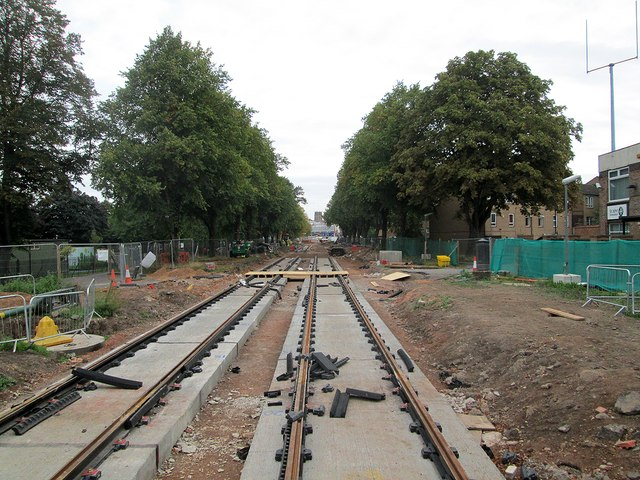 Queen's Walk: tramway tracklaying