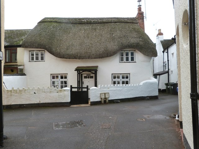 Well maintained cottage in Middle Street, Shaldon