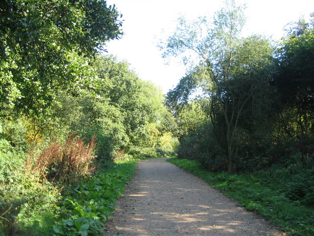 Cycle route between Cryfield House and Crackley