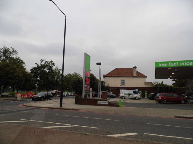 Petrol station on Streatham High Road