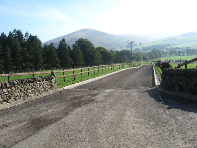 Entrance drive to Hiscop near Clydeside Farm