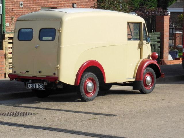 A Austin van on Downfield Avenue, Hull