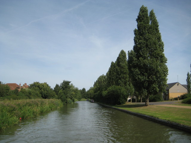 Grand Union Canal: Reach in Downhead Park