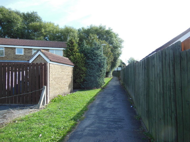 A path leading to Beverley Road
