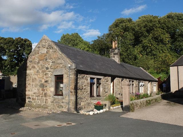 Single-storey cottages, Ellon