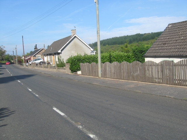 Roadside cottages at Hazelbank