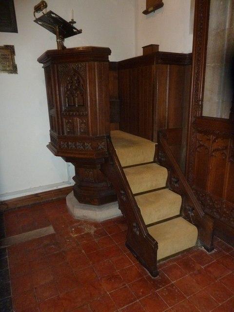 St Aldhelm, Bishopstrow: pulpit