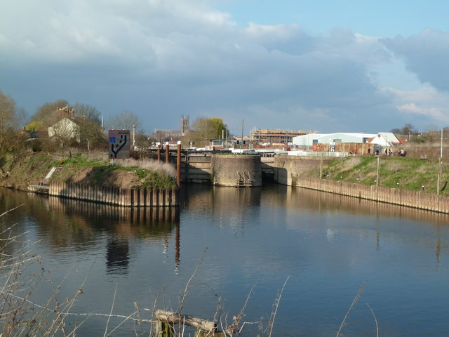 Diglis Locks and Worcester Cathedral