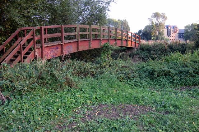 Footbridge on the path to Kempston