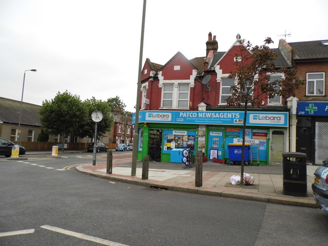 Shops on the corner of Streatham Road and Southcroft Road