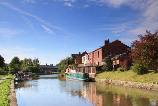 Leeds and Liverpool Canal, Appley Bridge