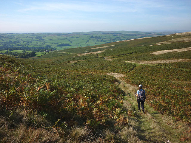 On the path down to Fellside