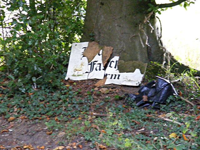 Houghen Farm sign