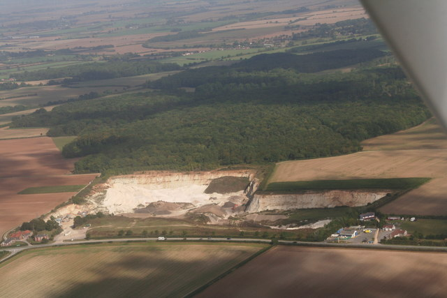 Welton le Marsh Quarry and Recycling Centre and Hilltop Garage (aerial 2013)