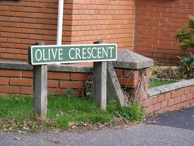 Olive Crescent sign