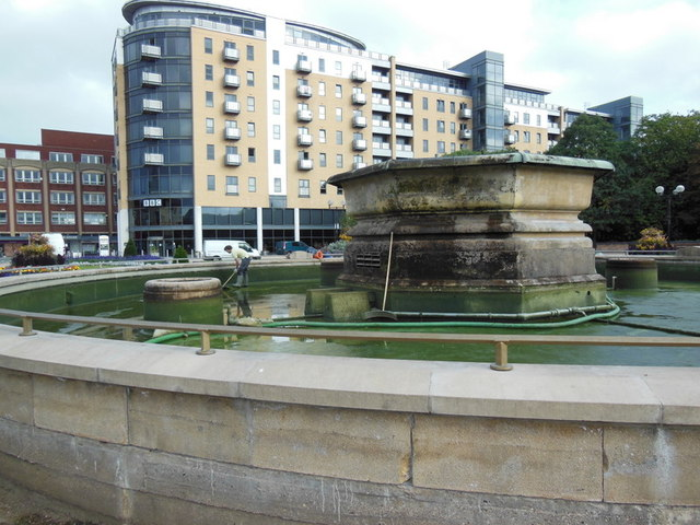 Cleaning out the fountain at Queens Gardens, Hull