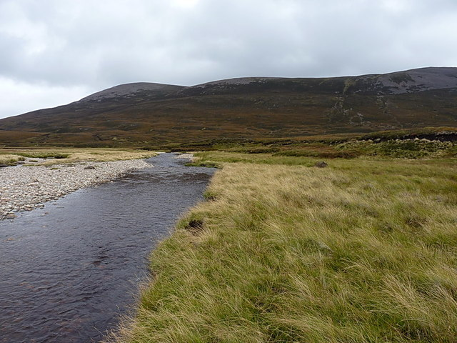 Down the Feshie towards Meall Tionail