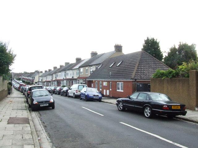 Woodfield Avenue, Gravesend