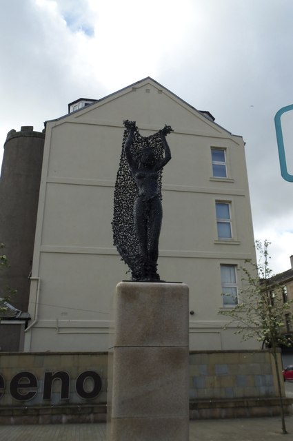 Egeria the Wood Nymph, at the junction of West Blackhall Street and Dalrymple Street, Greenock - 2