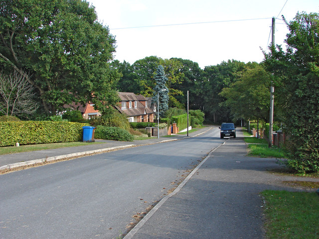 Pinehill Road, Crowthorne