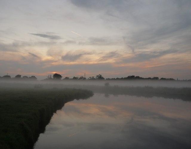 Evening mist over the Wey Navigation (3)