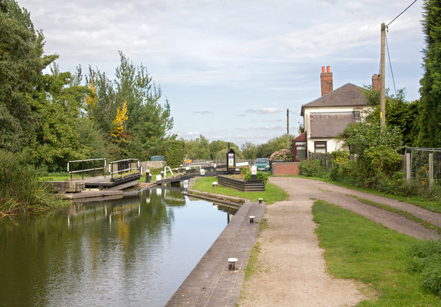 Birmingham and Fazeley Canal: Curdworth Bottom Lock