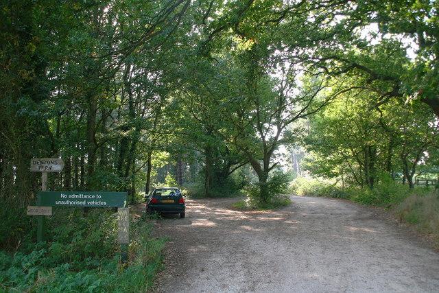 Entrance to West Bilney Wood