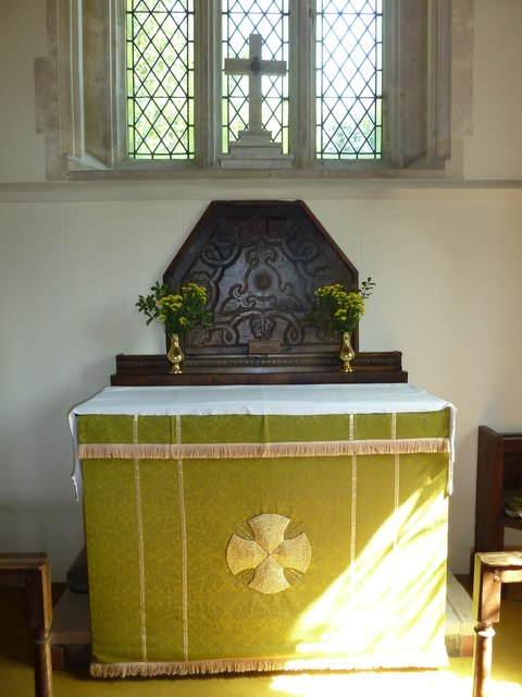 St Andrew, Todber: altar
