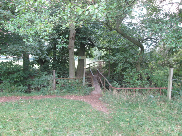 Barnsley Boundary walk footbridge north of Cawthorne