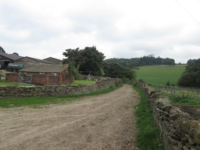 Farm track and footpath at Jowett House Farm