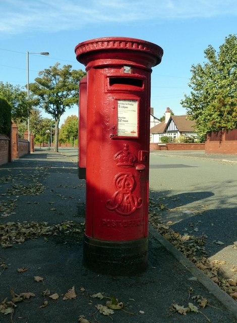 Edward VII Postbox Dowhills Road