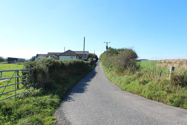Road passing Gallowhill Farm