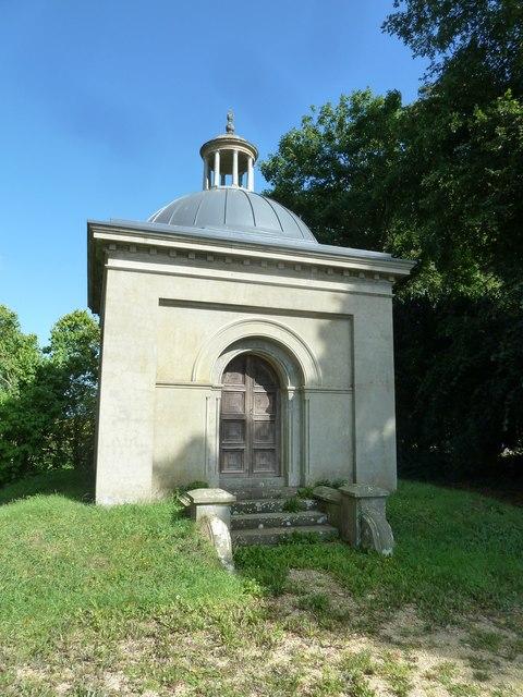St Nicholas, Manston: mausoleum