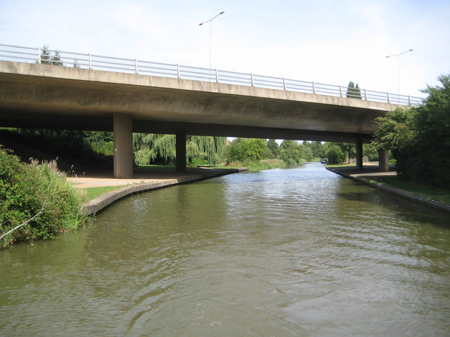 Grand Union Canal: Bridge Number 81A