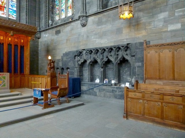 Paisley Abbey: the sedilia and piscina