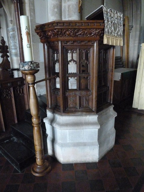 St Mary, Stalbridge: pulpit