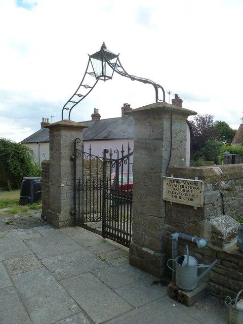 St Mary, Stalbridge: entrance to the churchyard