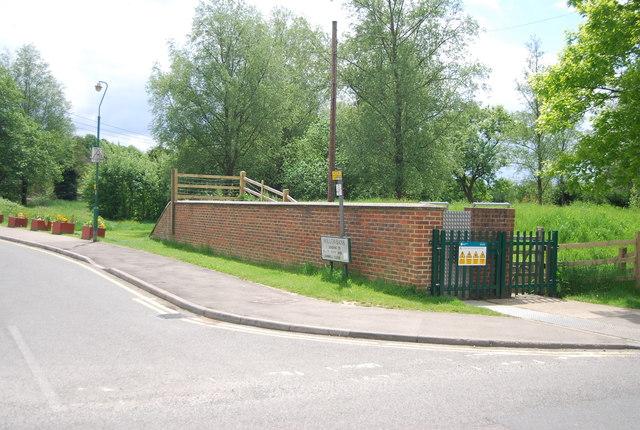 Flood defences, Robertsbridge