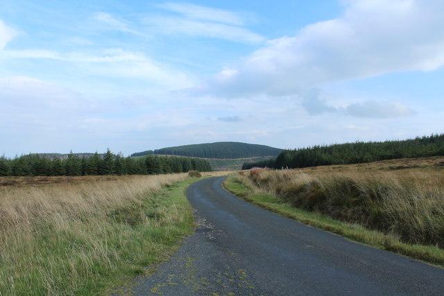 Road to Crosshill near Knockinculloch