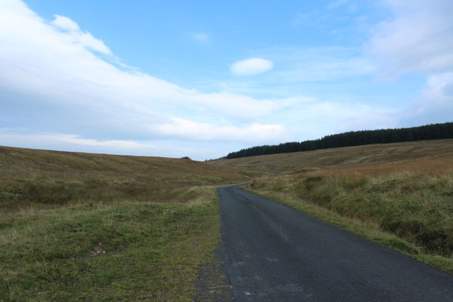 Road to Crosshill near Ferly Bridge