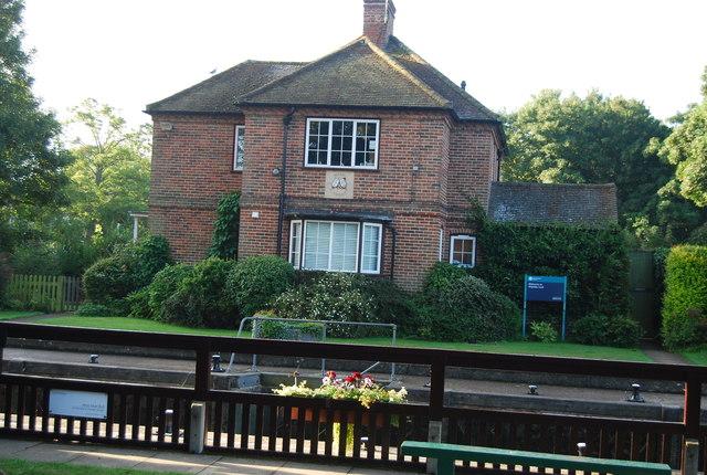 Keepers Cottage, Shiplake Lock