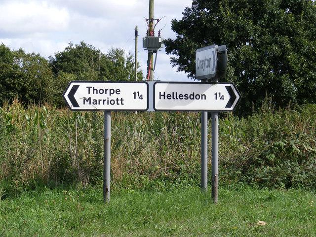 Roadsigns on Reepham Road