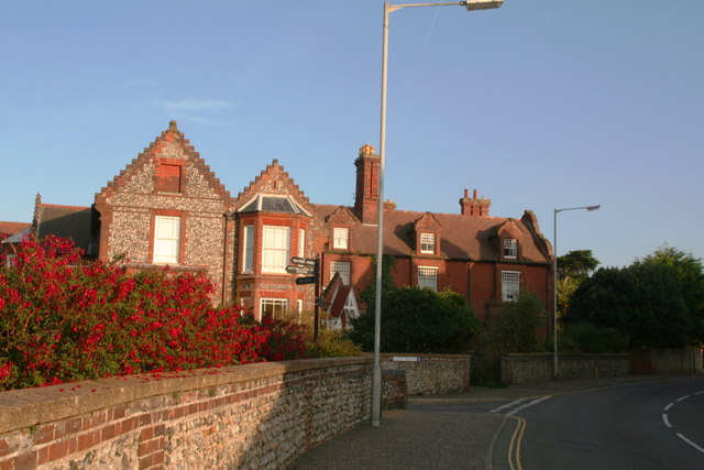 House on the corner of Overstrand Road and Cliff Drive
