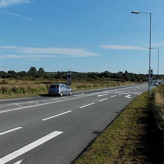 A484 east of the Victoria Road roundabout near Kingsbridge