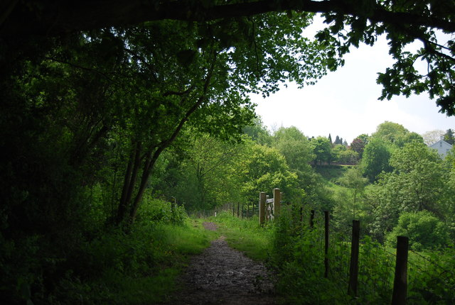Footpath to Pennington Rd
