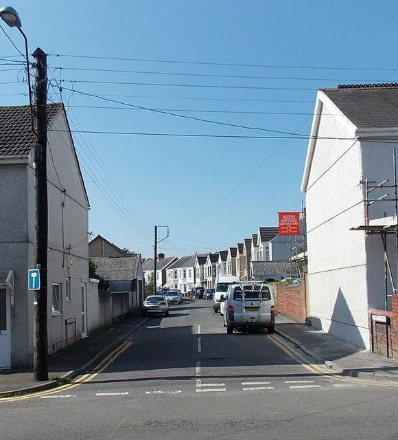 Queen's Avenue, Kingsbridge