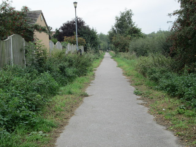 Footpath - viewed from Ridings Lane