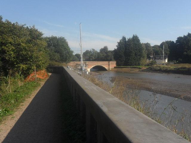 Footpath by River Deben looking towards the Wilford Bridge