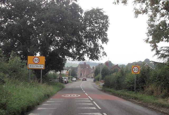 Entering Westbury on B4386