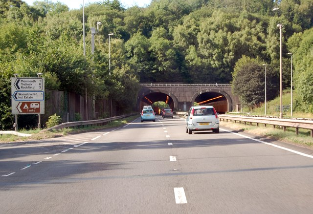 A40 approaching Monmouth tunnels